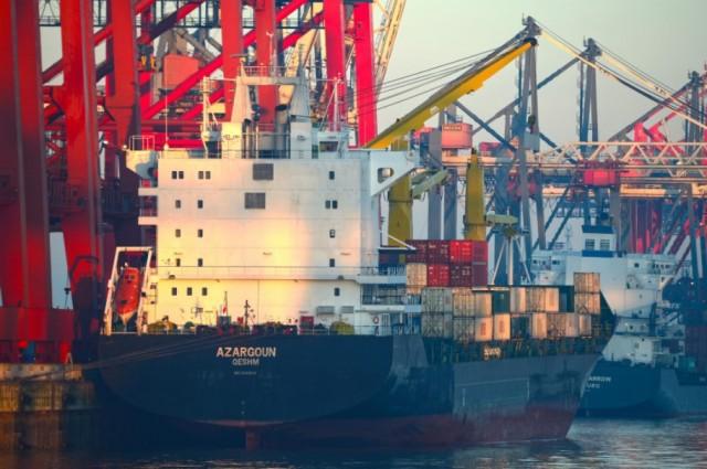 Η Τεχεράνη επενδύει στη ναυτιλιακή της βιομηχανία