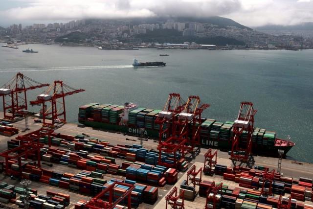 Δύσκολο το 2017 για τον λιμένα του Χονγκ Κονγκ
