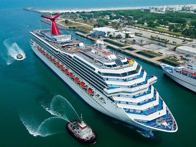 Αμερικανική απόβαση στην Κούβα με… κρουαζιερόπλοια