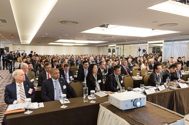 Οι σημερινές τάσεις και οι προοπτικές της παγκόσμιας ναυτιλίας στο 9ο ετήσιο Capital Link Greek Shipping Forum