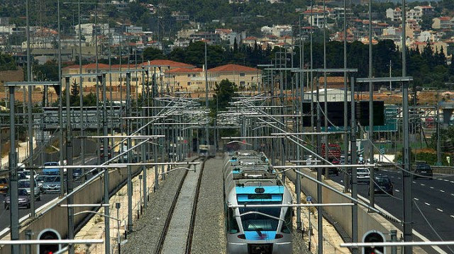 Απευθείας σιδηροδρομική σύνδεση Πειραιά με Διεθνή Αερολιμένα Αθηνών