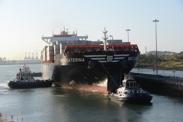 Ορόσημο για τη Διώρυγα του Παναμά η διέλευση του «MSC Caterina»
