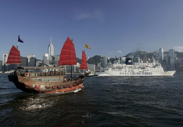 Μεγάλες εταιρείες κρουαζιέρας αποσύρουν πλοία από την Κίνα