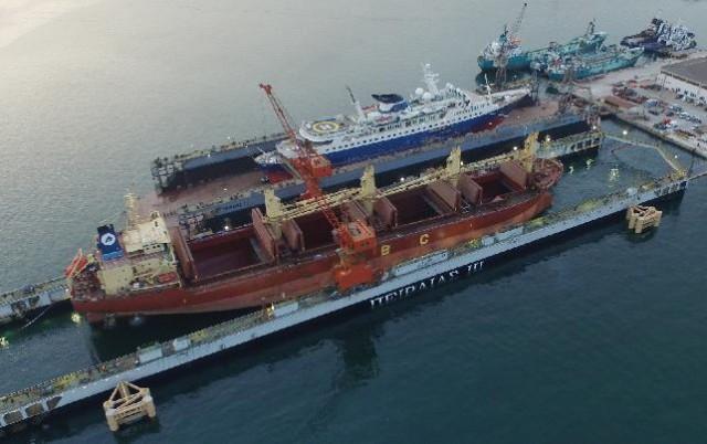 "O δεξαμενισμός του πρώτου πλοίου στη νέα πλωτή δεξαμενή ""ΠΕΙΡΑΙΑΣ ΙΙΙ"""