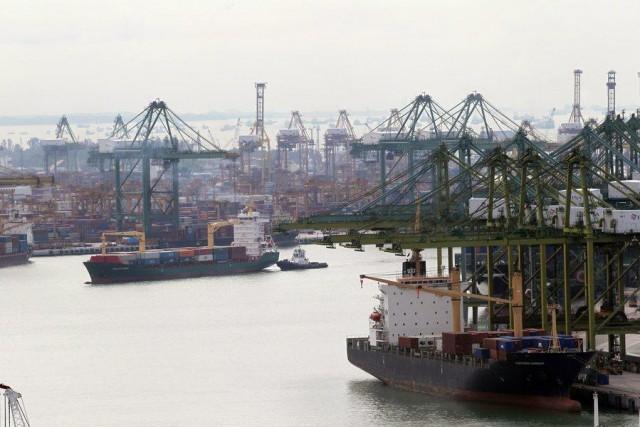 Γιατί αλλάζουν αιφνίδια οι στρατηγικές των κολοσσών ναυτιλιακών εταιρειών;