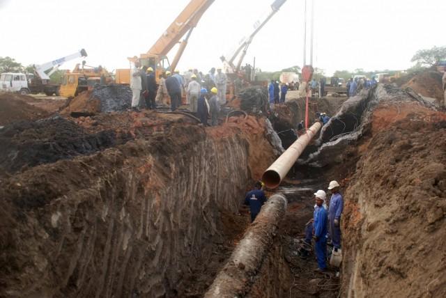 Η Κένυα προχωρά στην κατασκευή αγωγού πετρελαίου