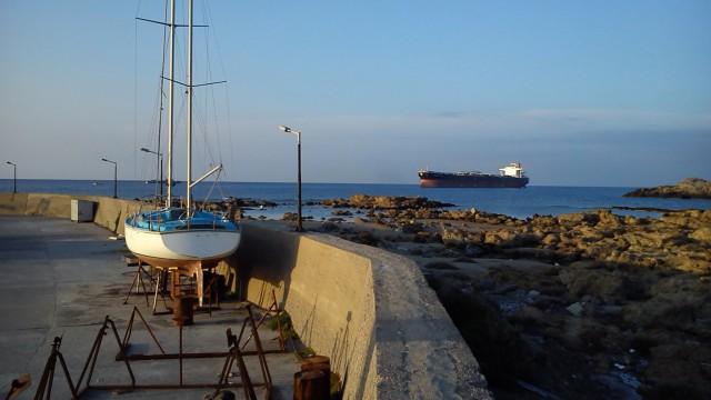 Ακυβέρνητο δεξαμενόπλοιο στην Παλαιοχώρα