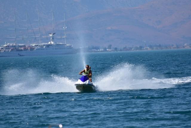 Απαγόρευση θαλάσσιας κυκλοφορίας μοτοποδηλάτων από το Λιμεναρχείο Σαρωνικού