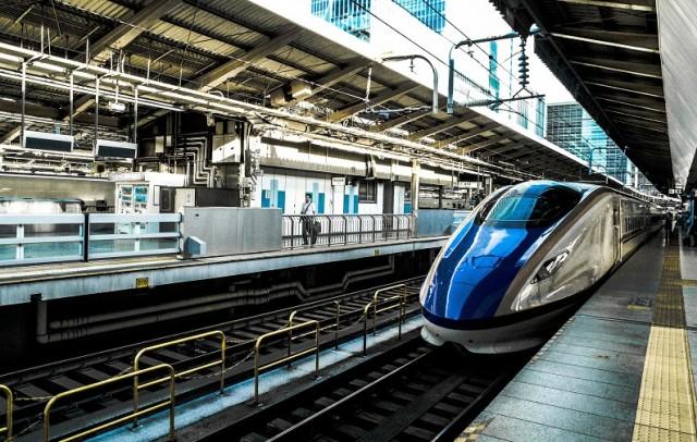 Τρένα θα ανταγωνίζονται την πιο δημοφιλή αεροπορική σύνδεση στον κόσμο