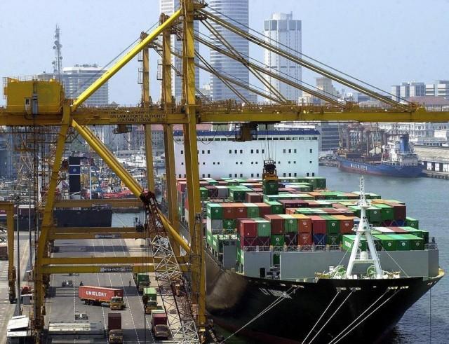 Άνοδος στο δια θαλάσσης εμπόριο μεταξύ Άπω και Μέσης Ανατολής
