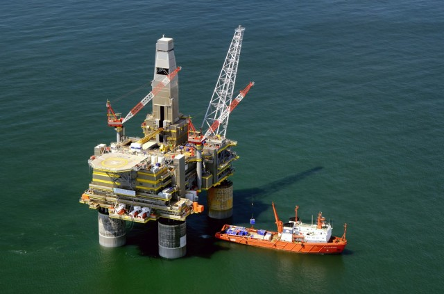 Άνοδος για τις τιμές του πετρελαίου με το βλέμμα στις περικοπές του OPEC+