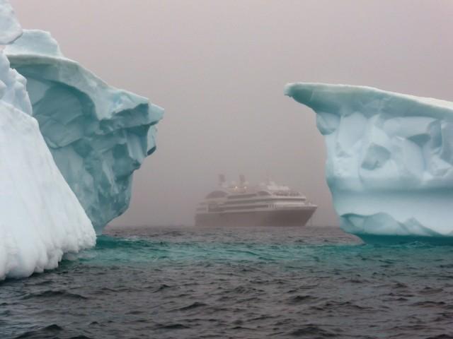Ο τριπλασιασμός απώλειας πάγου στην Ανταρκτική προκαλεί πονοκέφαλο στους ειδικούς