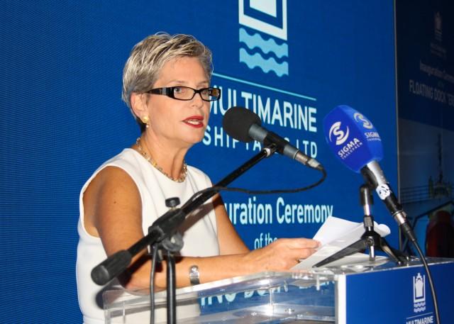 Η υπουργός Μεταφορών, Επικοινωνιών και Έργων της Κύπρου, Βασιλική Αναστασιάδου