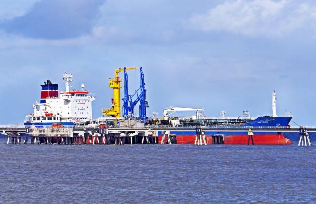 «Χαλαρώνουν» οι περικοπές στην παγκόσμια πετρελαϊκή παραγωγή