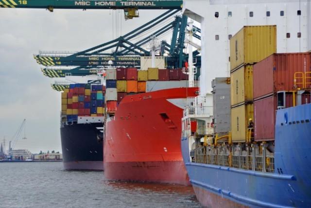 Περιορίζονται σημαντικά οι δια θαλάσσης μεταφορές εμπορευματοκιβωτίων μέσω Ειρηνικού