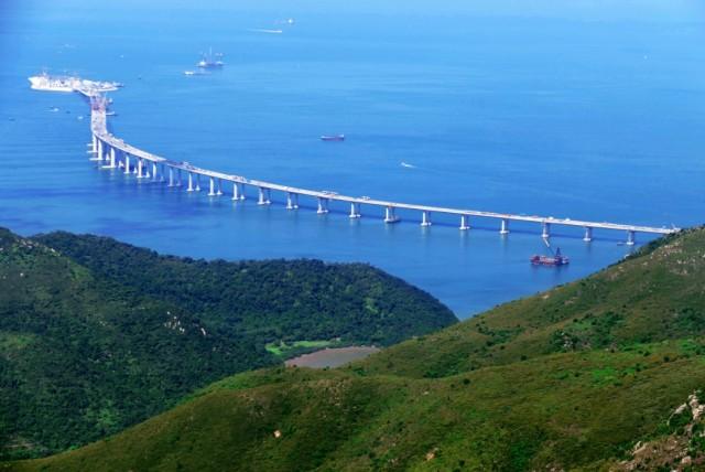Η μεγαλύτερη γέφυρα στον κόσμο «πατά» σε 4 τεχνητά νησιά
