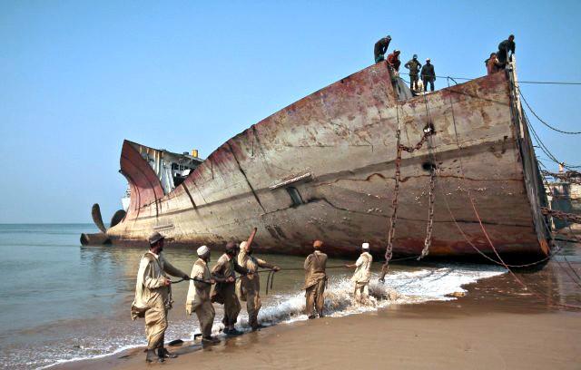 Τα διαλυτήρια της Ν. Ασίας Νο1 επιλογή για τους πλοιοκτήτες
