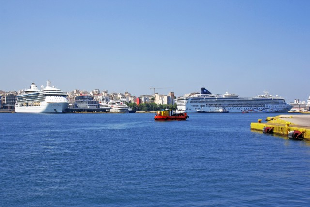 Υπογράφηκε η Συλλογική Σύμβαση για τις θέσεις εργασίας στα ναυτιλιακά γραφεία