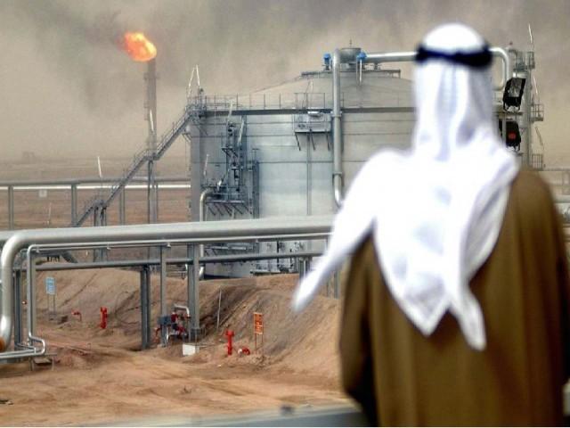 Ο Σαουδαραβικός Θρόνος οδηγείται στην μείωση της παραγωγής αργού πετρελαίου