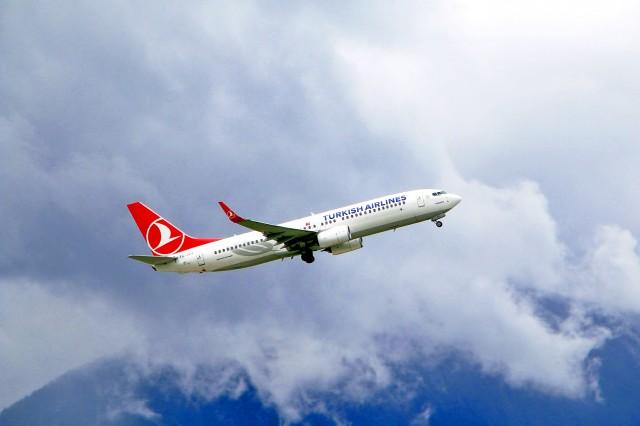 """Τουρκία: Η οικονομία καταρρέει – η Turkish Airlines """"απογειώνεται"""""""