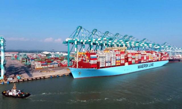 Ρεκόρ φόρτωσης εμπορευματοκιβωτίων για την Maersk