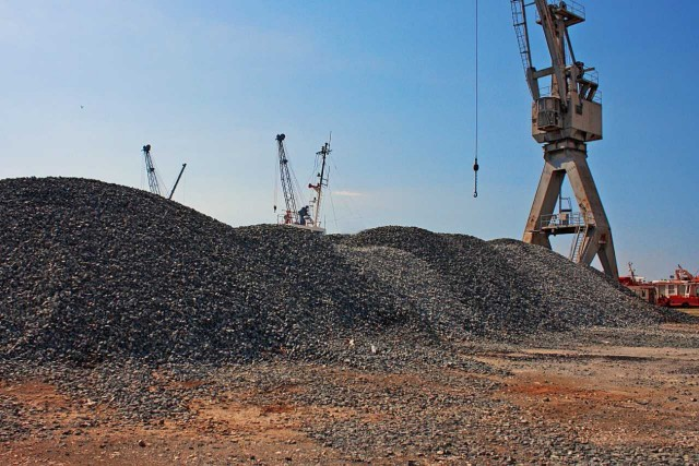 Κίνα: Ισχνή μείωση της παραγωγής άνθρακα