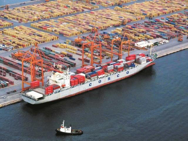 Αύξηση διακίνησης εμπορευματοκιβωτίων κατέγραψε το λιμάνι του Πειραιά