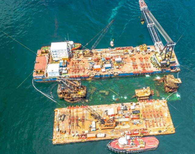 Πραγματοποιήθηκε η μεγαλύτερη σε βάρος επιχείρηση ανέλκυσης ναυαγίου στην Αμερική