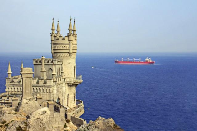 Τι συμβαίνει με τη ναυσιπλοΐα στην Αζοφική θάλασσα;