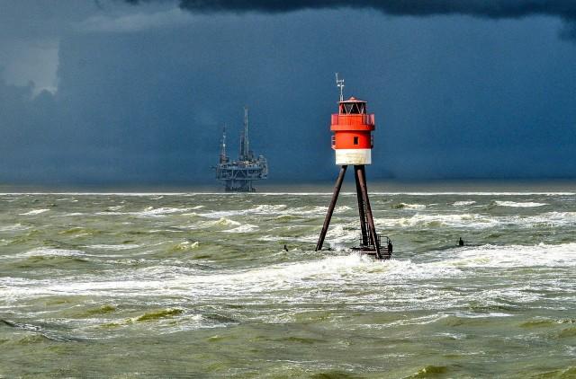 Τροπική καταιγίδα «απειλεί» την πετρελαϊκή παραγωγή των ΗΠΑ