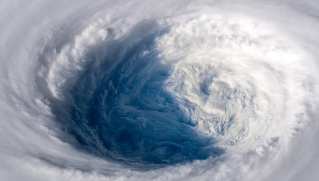 Συναγερμός λόγω ισχυρού τυφώνα στην Ιαπωνία