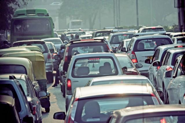 Πιο «καθαρά» αυτοκίνητα στους ευρωπαϊκούς δρόμους μέχρι το 2030