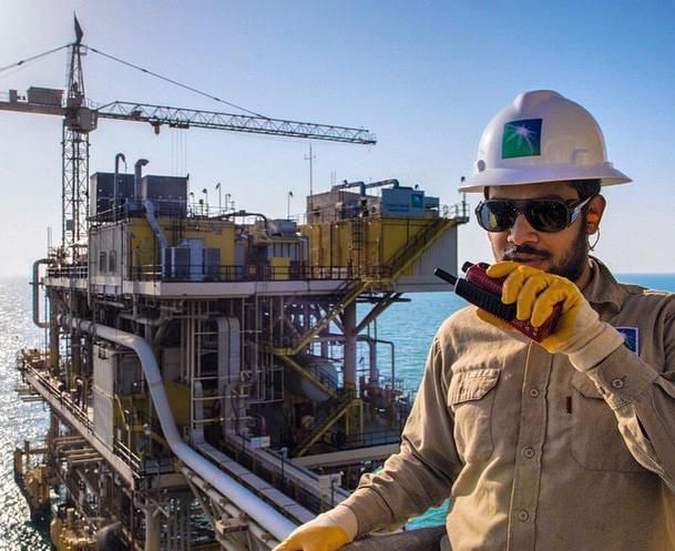 «Πετροχημική» συμμαχία μεταξύ Saudi Aramco και Total