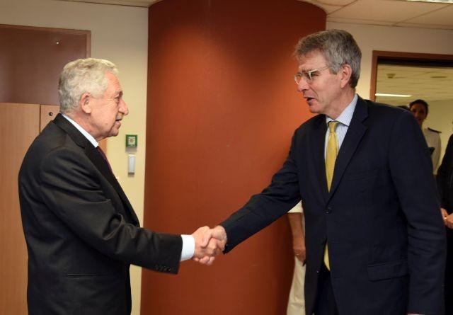 Τα ζητήματα που τέθηκαν επί τάπητος στη συνάντηση ΥΝΑΝΠ με τον Πρέσβη των ΗΠΑ στην Ελλάδα