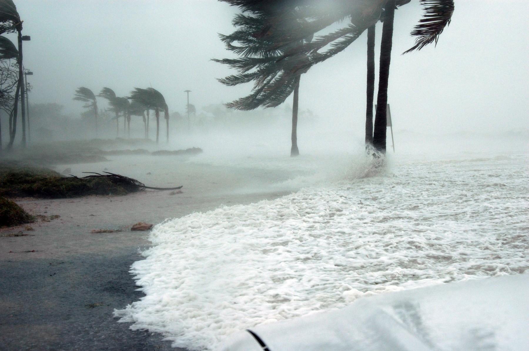 Προειδόποιηση προς ναυτικούς: Τυφώνας κατηγορίας 4 καταφθάνει στο Μεξικό
