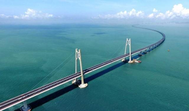 Εγκαίνια για τηνμεγαλύτερη θαλάσσια γέφυρα στον κόσμο