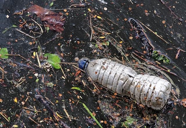Στο στόχαστρο του IMO τα απορρίμματα πλαστικών στην θάλασσα