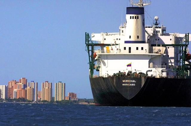 Βενεζουέλα: Σε «ελεύθερη πτώση» η παραγωγή αργού πετρελαίου