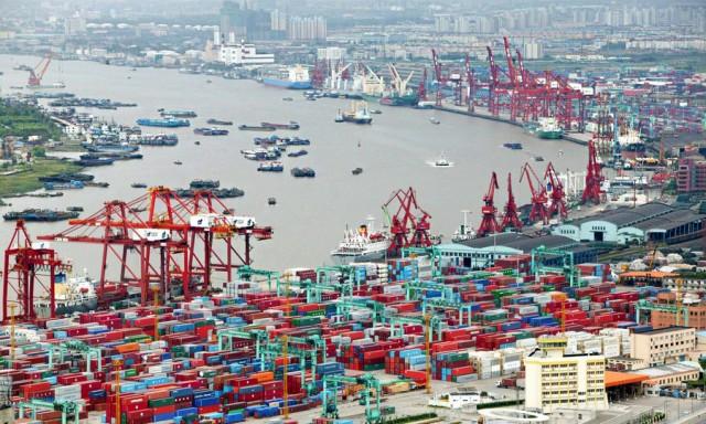 Ανοδικές τάσεις στη διακίνηση φορτίων από το λιμάνι της Σαγκάης
