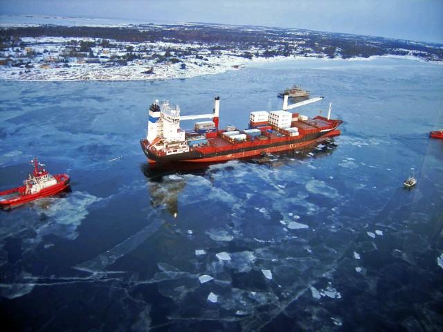 Παρατείνεται η ναυσιπλοΐα στο Βόρειο Πέρασμα