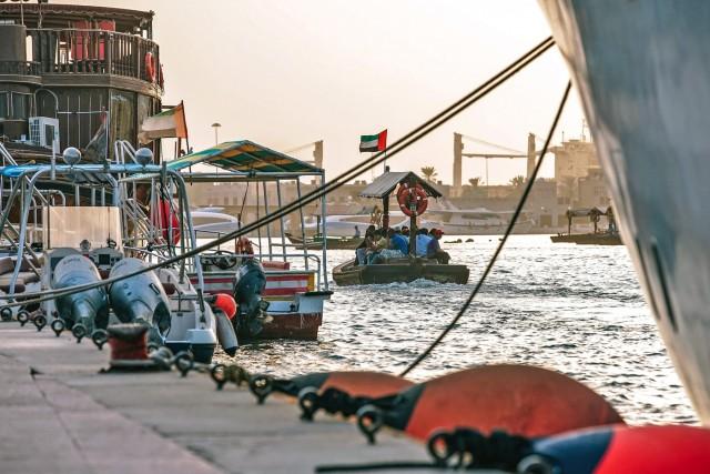 Νέα νομοθεσία για τα πλοία που προσεγγίζουν τα Ηνωμένα Αραβικά Εμιράτα