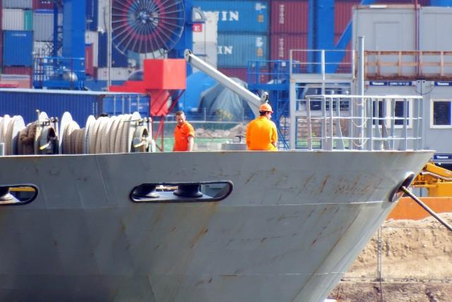Έρευνα: Το σταθερό εργασιακό περιβάλλον τονώνει το ηθικό των ναυτικών