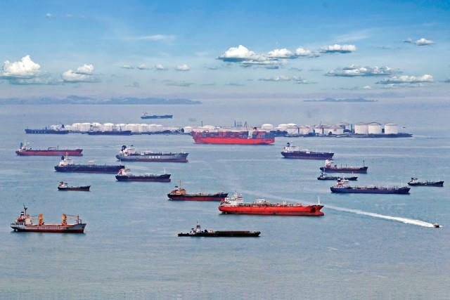 Συμφόρηση πλοίων σε κινεζικούς λιμένες