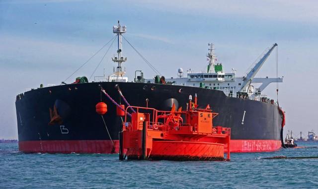 ΗΑΕ: Βλέπει σύντομα ισορροπία στην παγκόσμια αγορά πετρελαίου