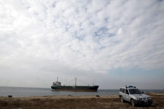 Προσάραξη φορτηγού πλοίου στη Μύκονο