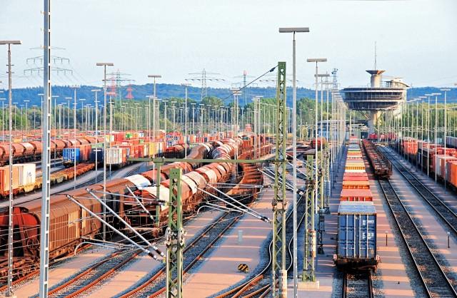 Στροφή στα… τρένα για το Αμβούργo