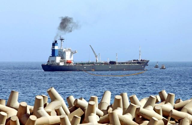 Πρόστιμο για παράνομη απόρριψη μείγματος πετρελαίου- νερού από δεξαμενόπλοιο