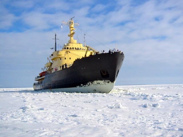 Με το βλέμμα στραμμένο στην Αρκτική