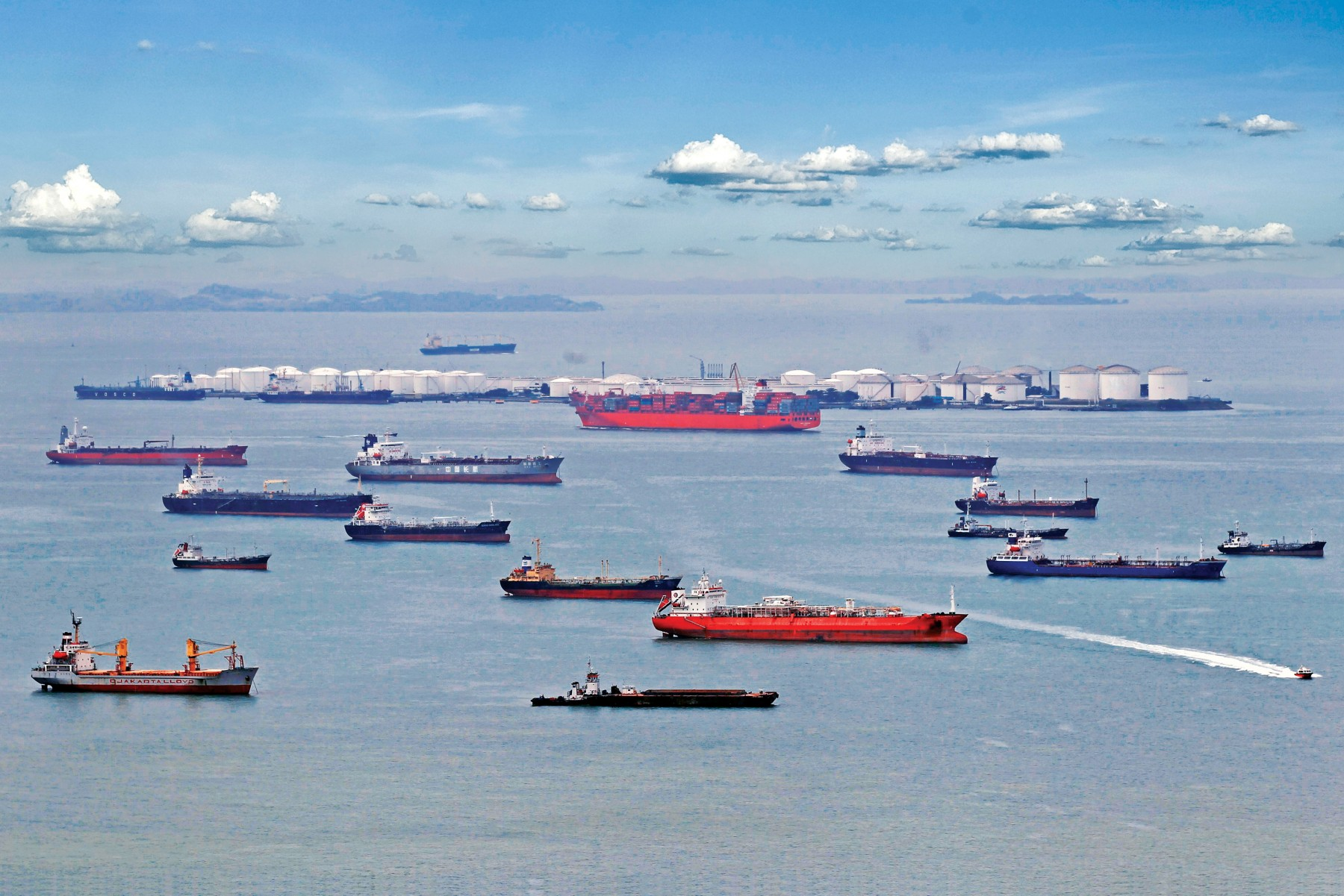 Ούριος άνεμος για τις εμπορευματικές ροές διά μέσου του Στενού της Σιγκαπούρης