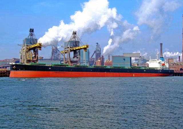 Πονοκέφαλος για τις ναυτιλιακές η απαγόρευση των open loop scrubbers